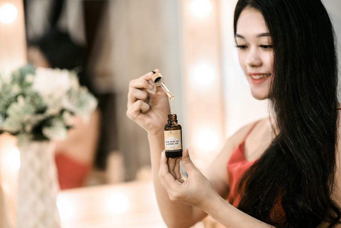 stosowanie olejku do włosów - sprawdź co warto wiedzieć